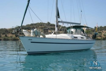 Bavaria 38 Holiday for sale in Greece for €38,000 (£33,925)