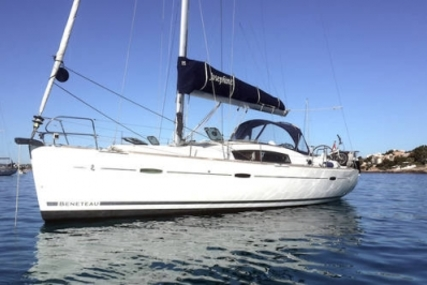 Beneteau Oceanis 40 for sale in Greece for €109,500 (£97,116)