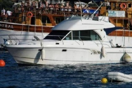 Beneteau Antares 9.80 for sale in Greece for £59,500
