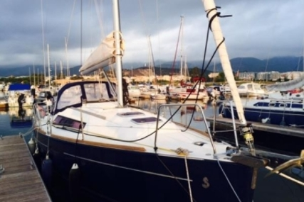 Beneteau Oceanis 31 for sale in Spain for £62,950