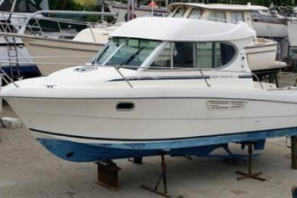 Jeanneau Merry Fisher 805 for sale in Ireland for €34,000 (£30,350)