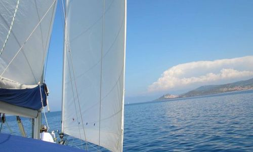 Image of Beneteau Clipper 423 for sale in Spain for €176,000 (£154,167) SARDINIA ISLAND, Italy, Spain