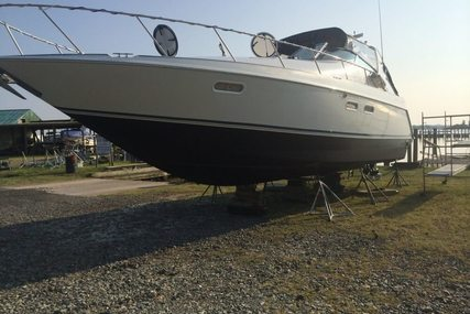 Chris-Craft 380 Continental Cruiser for sale in United States of America for $46,500 (£34,904)