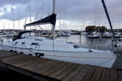 Beneteau Oceanis 321 for sale in United Kingdom for £35,000