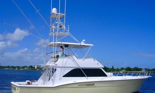 Image of Hatteras Convertible for sale in United States of America for $259,000 (£184,615) Stuart, United States of America