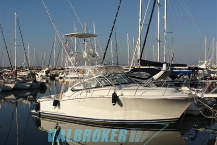 Luhrs 31 for sale in Italy for €90,000 (£80,290)