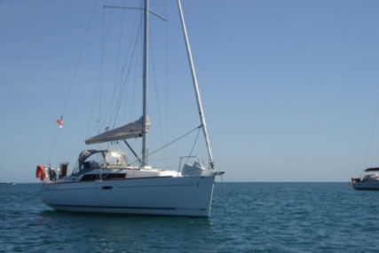 Beneteau Oceanis 31 for sale in France for €49,900 (£44,365)