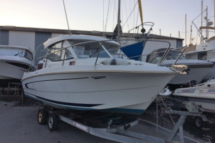 Beneteau Antares 750 HB for sale in France for €36,000 (£31,694)