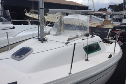 B2 Marine Blue Djinn for sale in France for €7,900 (£6,987)