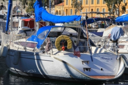 Jeanneau Sun Rise 34 for sale in France for €35,000 (£30,814)