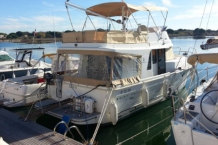 Beneteau Swift Trawler 34 for sale in France for €174,000 (£152,115)