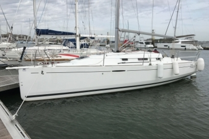 Beneteau First 30 for sale in France for €72,000 (£63,152)