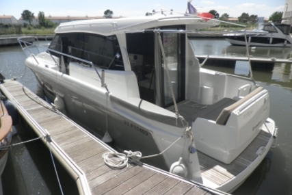Jeanneau NC 9 for sale in France for €115,000 (£100,736)