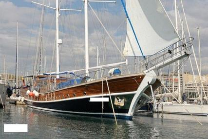 Custom Line 124' for sale in Spain for €850,000 (£748,332)