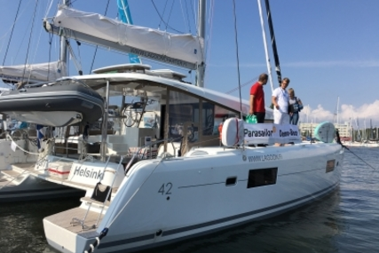 Lagoon 42 for sale in Spain for €434,000 (£388,030)