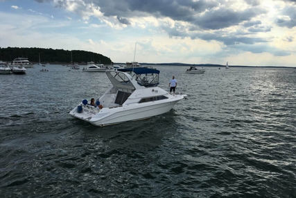 Sea Ray 350 Express Bridge for sale in United States of America for $29,500 (£21,104)