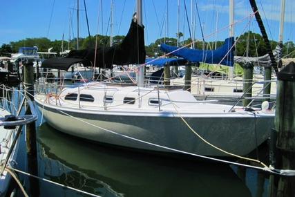 Ericson Yachts 32 for sale in United States of America for $13,495 (£10,252)