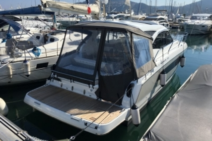 Jeanneau Leader 36 for sale in France for €238,000 (£212,307)