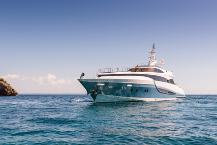 Evolution luxury superyacht for sale in Spain for €2,950,000 (£2,704,065)