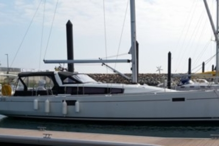 Beneteau Sense 43 for sale in France for €180,000 (£160,521)