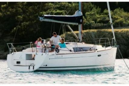 Beneteau Oceanis 31 for sale in Spain for £64,500