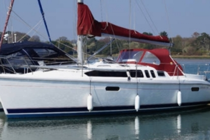 Hunter 336 LEGEND for sale in United Kingdom for £39,950