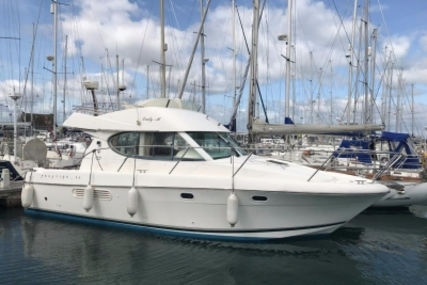 Prestige 32 for sale in Ireland for €98,950 (£86,842)