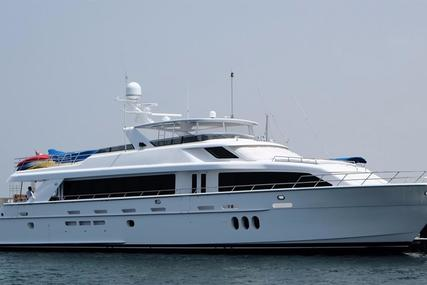Hatteras 105 for sale in United Arab Emirates for $5,441,000 (£3,907,080)