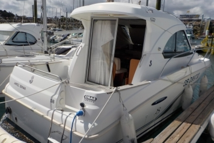 Beneteau Antares 8 for sale in France for €45,000 (£39,476)