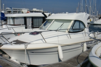 Beneteau Antares 7 for sale in France for €30,500 (£26,821)