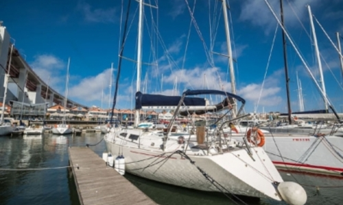 Image of Rainbow 40 for sale in Portugal for €50,000 (£44,020) LISBON, Portugal