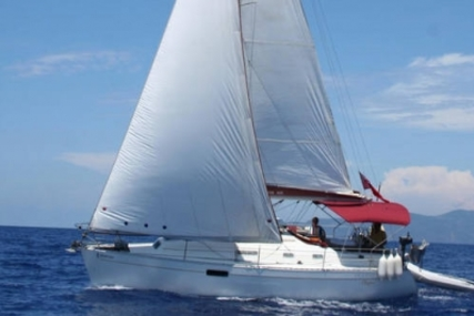 Beneteau Oceanis 321 for sale in Greece for £25,500