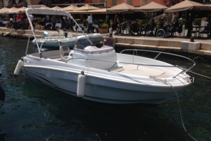 Jeanneau Cap Camarat 5.5 CC Style for sale in France for €28,000 (£24,973)