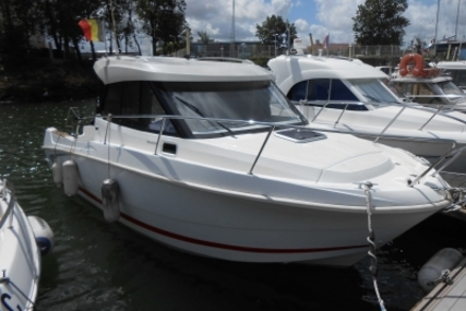 Beneteau Antares 7.80 for sale in France for €40,900 (£36,175)