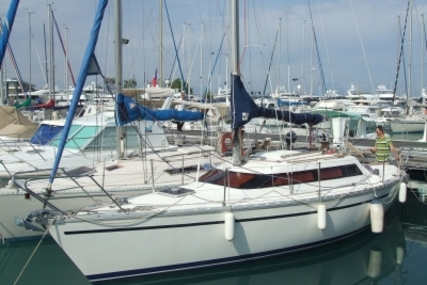 Jeanneau Sun Dream 28 for sale in France for €17,000 (£15,059)