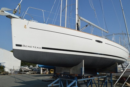 Beneteau Oceanis 31 LE for sale in France for €85,000 (£74,748)