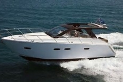 Sealine SC35 for sale in France for €155,000 (£138,362)