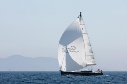 Beneteau Sense 46 for sale in France for €335,000 (£298,835)