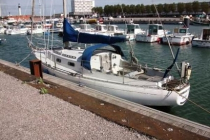 Van De Stadt Legend 34 for sale in France for €25,000 (£21,957)