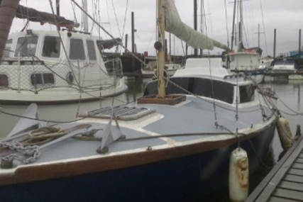 MORRIS YACHTS MORRIS 26 COWAL for sale in United Kingdom for £4,500
