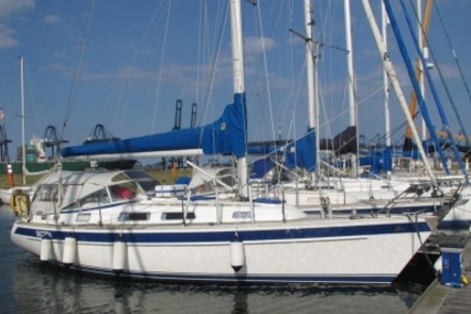 Hallberg-Rassy 34 for sale in United Kingdom for £89,950