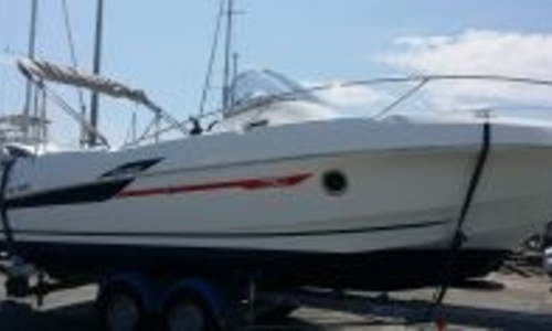 Image of Beneteau Flyer 750 Sundeck for sale in France for €39,000 (£34,492) FREJUS, France
