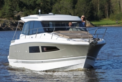 Jeanneau NC 9 for sale in France for €115,000 (£101,707)