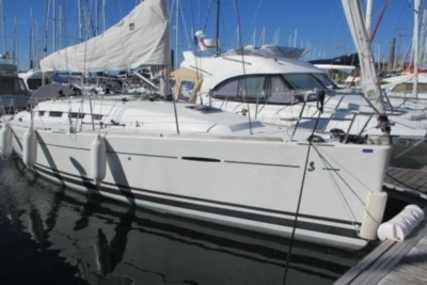 Beneteau First 35 for sale in France for €120,000 (£107,045)