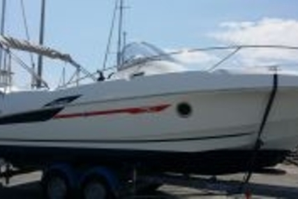 Beneteau Flyer 750 Sundeck for sale in France for €39,000 (£34,495)