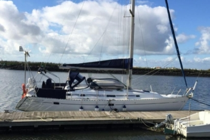Beneteau Oceanis 381 Clipper for sale in Portugal for €63,000 (£55,465)