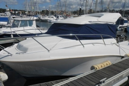 Quicksilver 640 Weekend for sale in Portugal for €22,500 (£19,567)