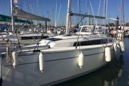 Bavaria 33 Cruiser for sale in France for €88,000 (£77,186)