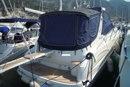 Sealine S38 for sale in France for €130,000 (£114,024)