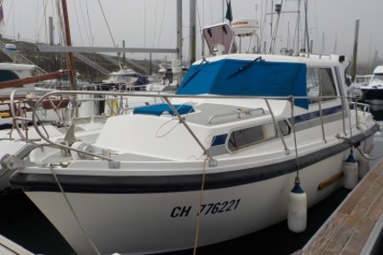 Aquastar 27 for sale in France for €27,000 (£23,840)